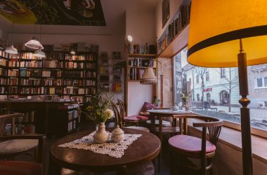 Antikvariát a kaviareň Pod Vŕškom